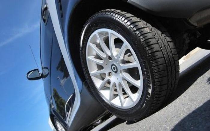 verifier-pression-pneus-economie-carburant