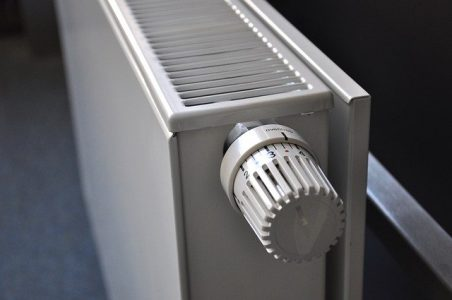 panneaux-reflechissants-radiateur-non-isole-economie-energie